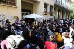 Estudantes bloqueiam entrada da reitoria da UFRGS