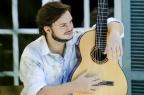 Em show intimista, Yamandu Costa apresenta composições inéditas e promete fazer algo raro: cantar Isabela Kassow/Divulgação