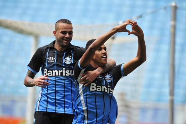 Por tendinite, Luan e Pedro Rocha serão poupados contra o São José Fernando Gomes/Agencia RBS