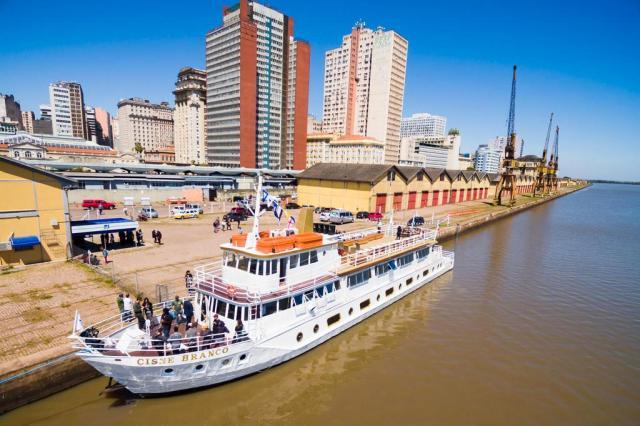 Barco Cisne Branco volta a navegar nesta quarta-feira em Porto Alegre Omar Freitas/Agencia RBS