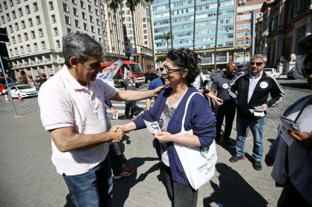 Sebastião Melo faz caminhada pelo Centro Histórico Carlos Macedo/Agencia RBS