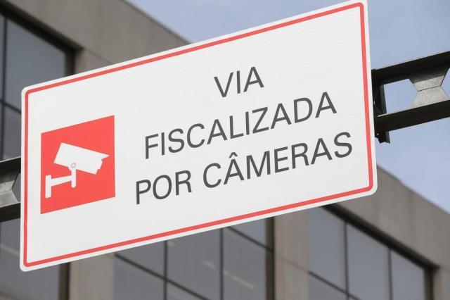 Até o final de novembro, EPTC começará a usar câmeras para multar por infrações nos corredores de ônibus Fernando Gomes/Agencia RBS