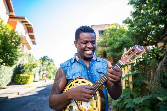 Conheça Will Baptista, o pagodeiro que cresceu em um dos redutos do gênero em Porto Alegre Omar Freitas/Agencia RBS