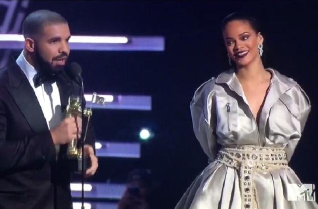 Rihanna e Drake estão separados e cantora manda indireta no Instagram Reprodução/