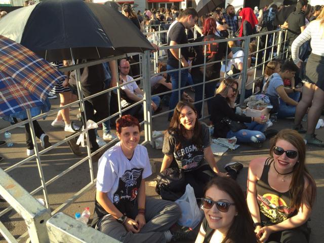 Fãs do Aerosmith encaram fila e sol para ver ídolos Nathalia Carapeços / Agência RBS/Agência RBS