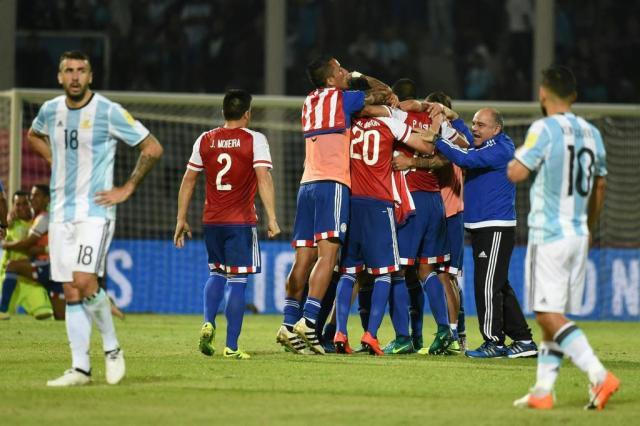 Em Córdoba, Paraguai vence a Argentina por 1 a 0 EITAN ABRAMOVICH/AFP