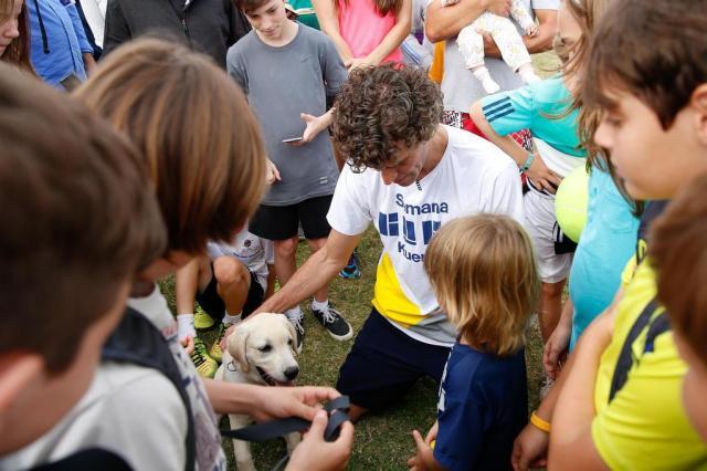 Guga mostra pela primeira vez ao público seu cão labrador Medalha Leo Munhoz/Agencia RBS
