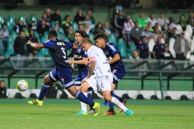 Figueirense fica no empate com o Coritiba e segue no Z-4 da Série A Luiz Henrique/Figueirense
