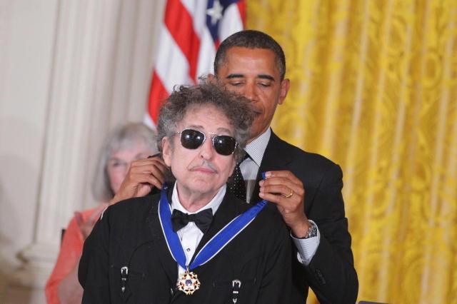 """Obama parabeniza Bob Dylan, um de seus """"poetas favoritos"""", pelo Nobel de Literatura MANDEL NGAN/AFP"""