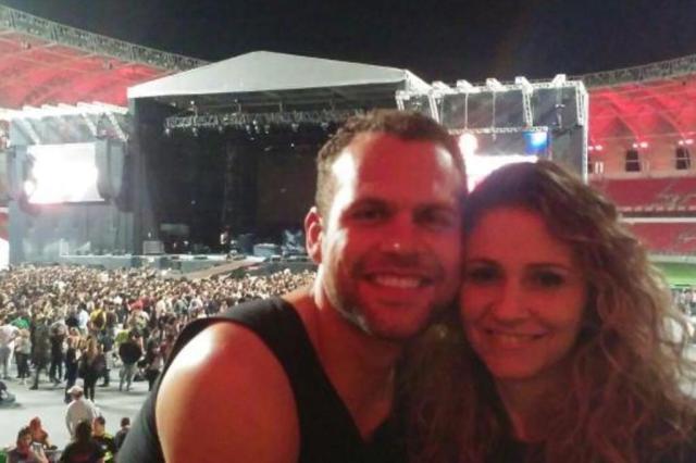 """Casal que se conheceu em show do Aerosmith irá rever banda para receber """"bênção"""" de Steven Tyler Gabriel Costa/Arquivo Pessoal"""