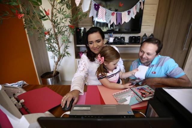 Terminou a licença-maternidade, mas você quer trabalhar em casa perto do bebê? Carlos Macedo/Agencia RBS