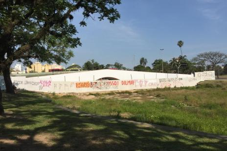 Revitalização do Largo dos Açorianos fica para julho de 2017 (Jéssica Rebeca Weber/Agência RBS)