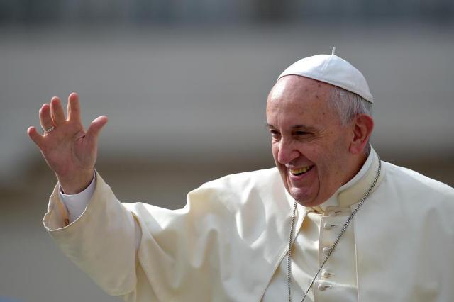 "Papa Francisco canoniza ""padre gaúcho"" e outros seis santos VINCENZO PINTO/AFP"