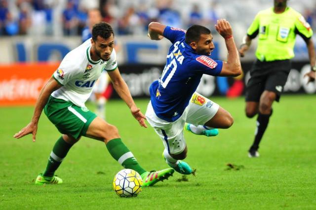 Chapecoense soma ponto contra Cruzeiro e agora mira Sul-Americana Ramon Lisboa/Estado de Minas