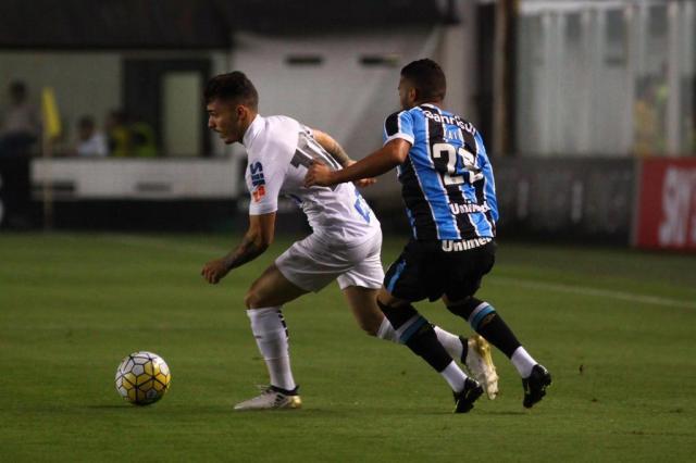 Grêmio sai na frente, mas fica no empate em 1 a 1 com o Santos na Vila Belmiro Ricardo Moreira/Fotoarena,Lancepress