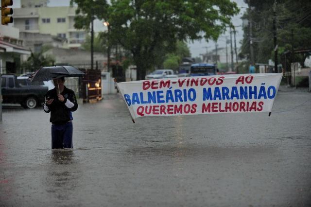 Chuva alaga ruas e casas e há alerta em áreas de risco em Santa Maria Maiara Bersch/Agencia RBS