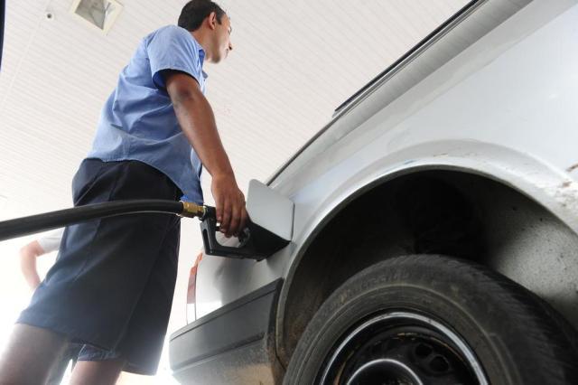 O preço da gasolina não baixou? Tente trocar de posto Roni Rigon/Agencia RBS
