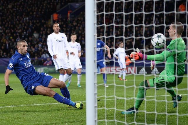 Leicester faz 1 a 0 e segue 100% na Liga dos Campeões OLI SCARFF/AFP