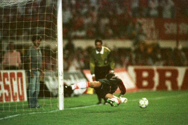 """Arílson relembra duelo histórico com Santos pela Copa do Brasil: """"Joguei no sacrifício, mas valeu"""" Valdir Friolin/Agencia RBS"""