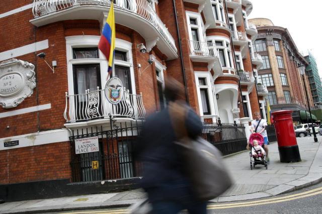 Equador admite que cortou internet de Assange Daniel Leal-Olivas/AFP