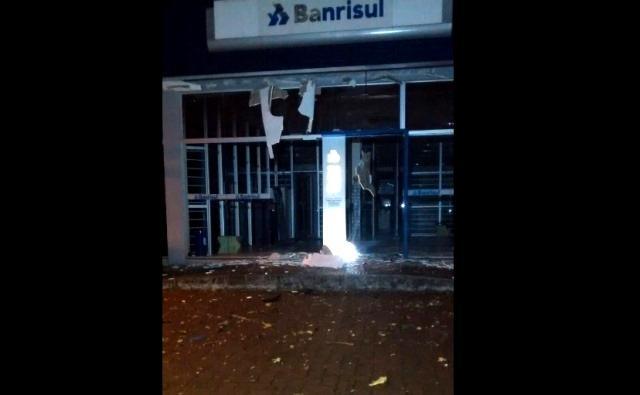 Criminoso morre em explosão de agência bancária em Terra de Areia Brigada Militar / Divulgação/