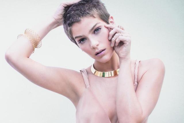"""Isabella Santoni fala sobre cabelo raspado para viver Letícia: """"Minha mãe chorou muito"""" André Passos/Joyce Pascowitch"""