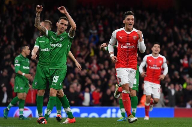 No Emirates Stadium, Arsenal faz 6 a 0 no Ludogorets BEN STANSALL/AFP