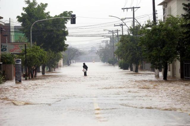 Torcedores da dupla Gre-Nal podem fazer doações para afetados pela chuva Tadeu Vilani/Agencia RBS