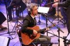Opinião: Vitor Ramil revê sucessos em concerto com orquestra Carlos Blaya/Divulgação