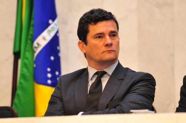 Resultado de imagem para Moro classifica como 'lamentável' ação de Lula contra PF