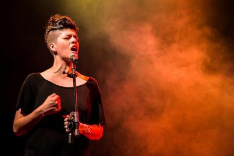 Espetáculo com sessões na Capital narra vida de Cássia Eller a partir de músicas do repertório da cantora (Marcos Hermes/Divulgação)