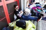 Fãs acampam no Beira-Rio à espera do show do Guns N' Roses
