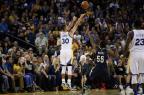 VÍDEO: Curry faz 13 cestas de três e quebra recorde na NBA Ezra Shaw/Getty Images/AFP