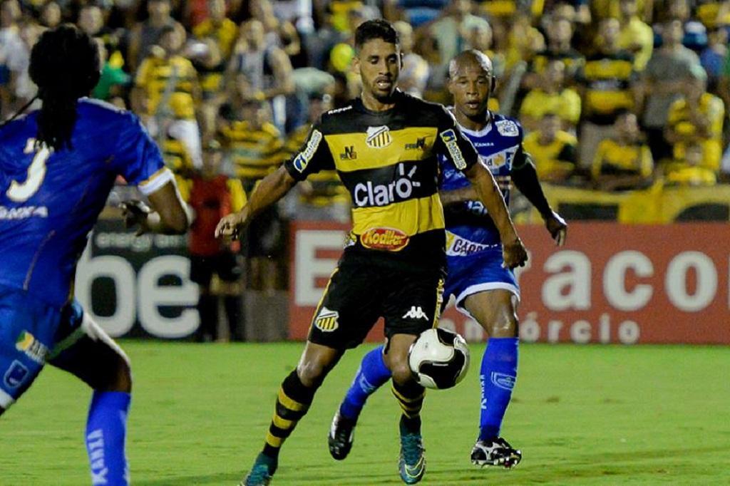 93662716ea Perto de assinar com Grêmio