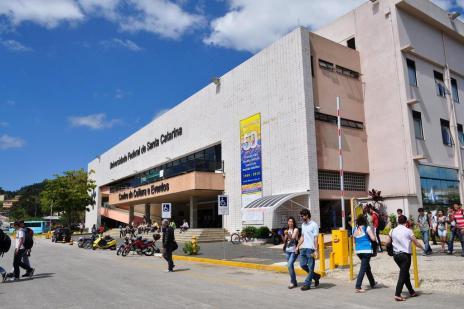 Universidades devem criar plano de internacionalização para ter bolsas do novo Ciência Sem Fronteiras (UFSC/Divulgação)