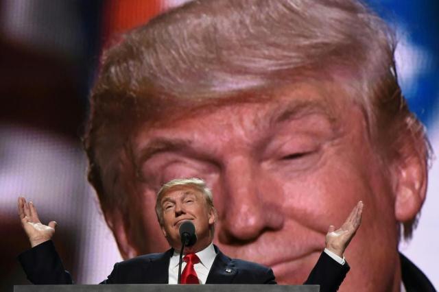 Trump nega que Rússia tenha informações comprometedoras sobre ele Timothy A. Clary/AFP