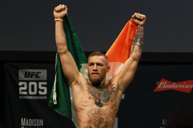McGregor diz que luta contra Mayweather será em setembro Michael Reaves/GETTY IMAGES NORTH AMERICA