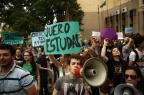 Estudantes fazem ato na UFRGS contra ocupações Carlos Macedo/Agencia RBS