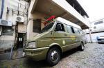 Polícia usa micro-ônibus na custódia de presos em Porto Alegre