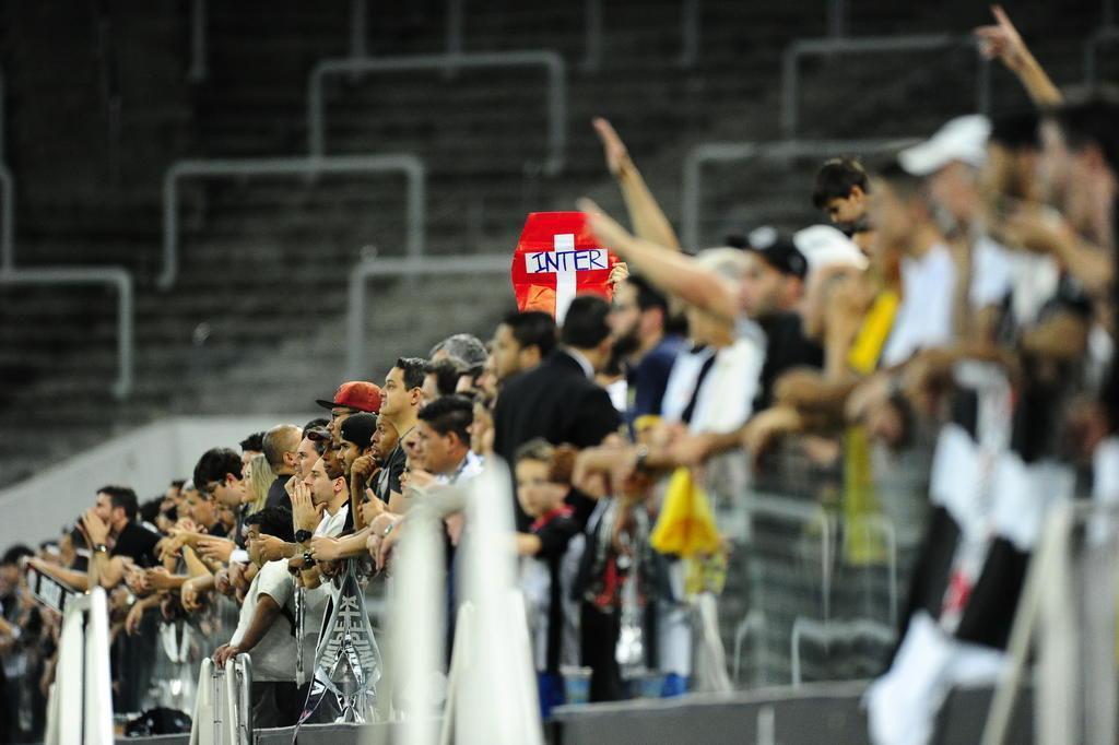 Zago pode mexer na escalação para sobreviver à Arena Corinthians Carlos Macedo/Agencia RBS