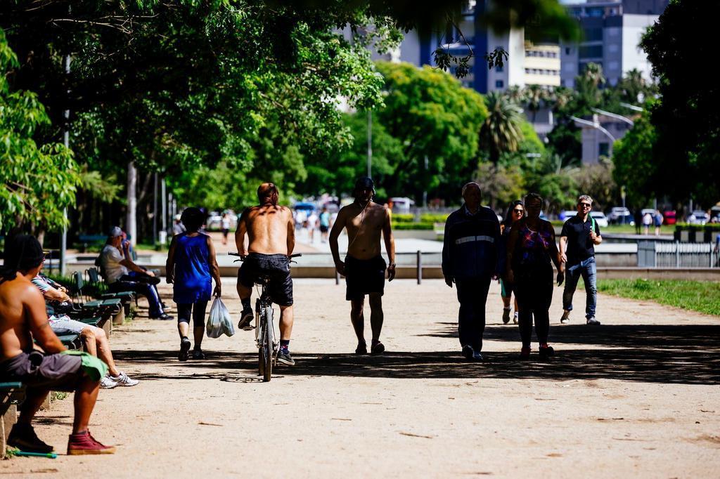 Temperatura sobe nos próximos dias e pode chegar a 37°C na sexta-feira no Rio Grande do Sul Omar Freitas/Agencia RBS