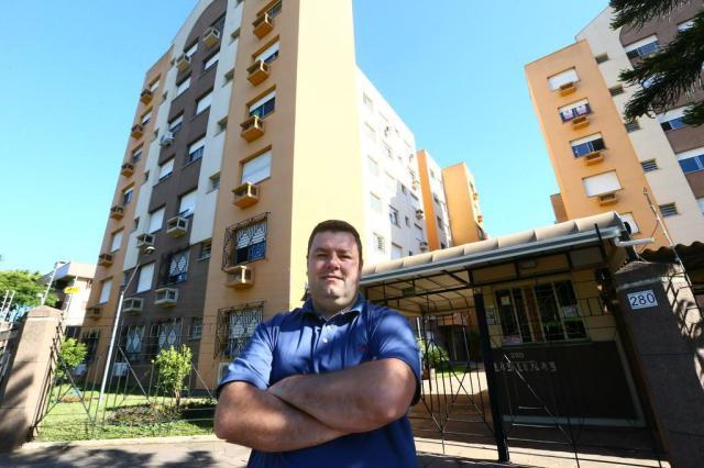O síndico Giani Villagra conseguiu reduzir as contas do condomínioFoto: Lauro Alves / Agencia RBS