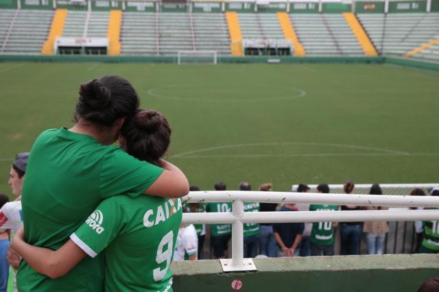 Após tragédia, camisa da Chapecoense está em falta no mercado Cristiano Estrela/Agencia RBS