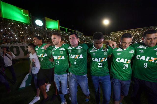 Chapecoense fica com 11 jogadores no grupo após tragédia na Colômbia Nelson Almeida/AFP
