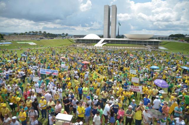 Resultado de imagem para MANIFESTAÇÃO DE 04/12 ZERO HORA