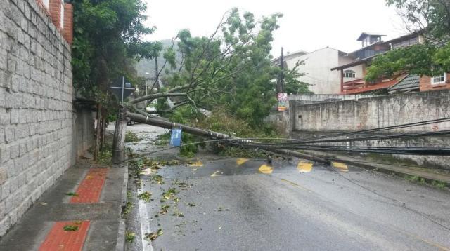 Prefeitura de Florianópolis decreta emergência após ciclone subtropical Gabriela Wolff/Agência RBS