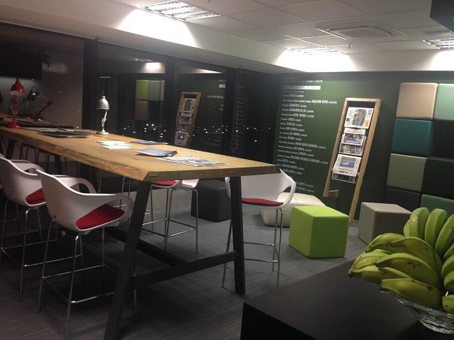 Escritório decorado tem inspiração em home office Eleone Prestes / Studio Prestes/Studio Prestes