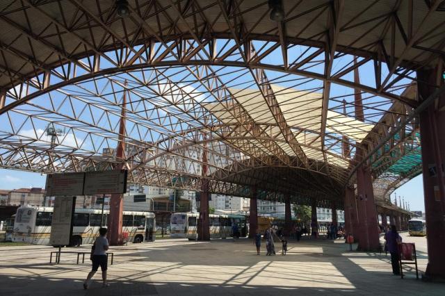 Terminal Triângulo segue destelhado dois anos após vendaval em Porto Alegre Jéssica Rebeca Weber/Agência RBS
