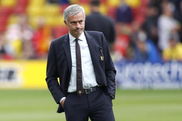 """José Mourinho: """"Esse emprego está ficando coisa de louco"""" Adrian DENNIS/AFP"""