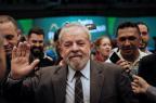 Lula lidera com 30,5% dos votos em eventual disputa em 2018, diz pesquisa CNT YASUYOSHI CHIBA/AFP
